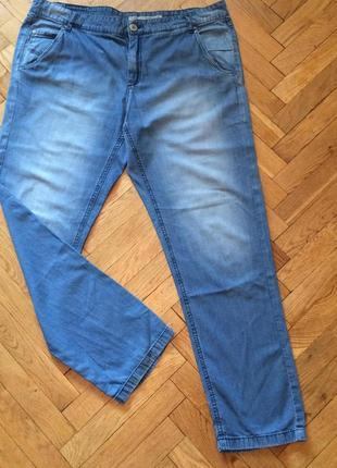 Летние,тонкие джинсы от бренда yessica