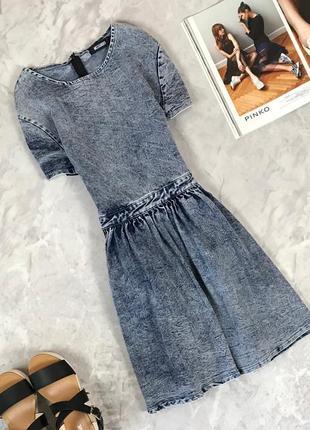 Джинсовое платье с мраморного денима  dr1923055 missguided