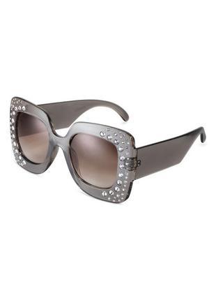 Стильные гламурные солнцезащитные очки h&m с камнями