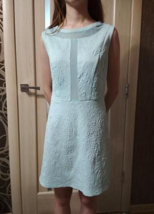 Платье короткое голубое.с прозрачными вставками.