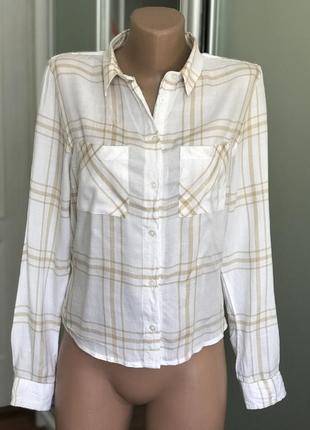 Стильначая рубашка в полоску светлая