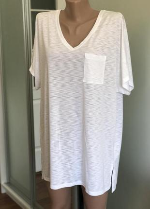 Белая базовая футболка большого размера