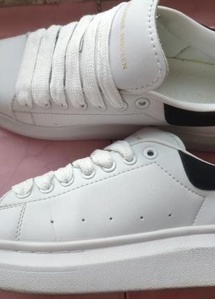 Шкіряні кросівки4 фото
