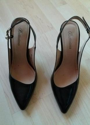 Туфли лак чёрные