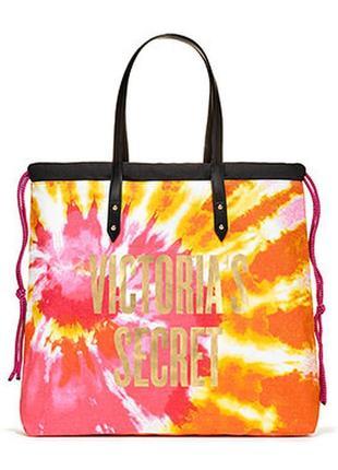Пляжная  вместительная  и очень яркая сумка  victoria's secret.2 фото