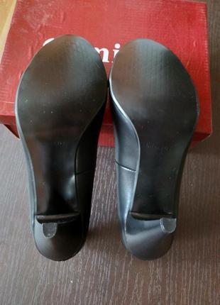 Новые туфли 24.5 стелька2 фото