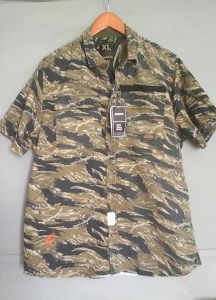 Актуальная рубашка с коротким рукавом.  милитари. хаки. камуфляж. летняя рубашка.