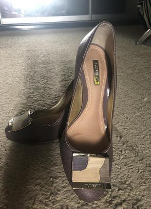 Туфли оригинальный каблук