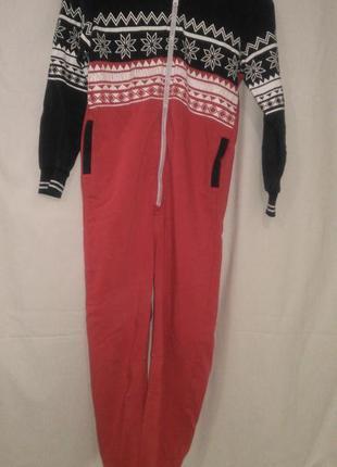 Хорошая фирменная пижама  комбинезон