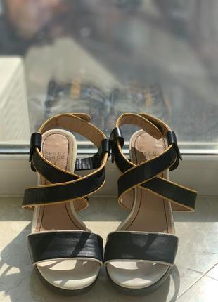 Босоножки see by chloe кожаные синие на каблуке