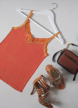 Майка gap оранжевая на бретелях с кружевом бельевой стиль в перфорации