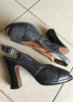 Босоножки кожаные стильные модные дорогой бренд chie mihara размер 37