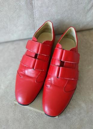 Туфли на липучках