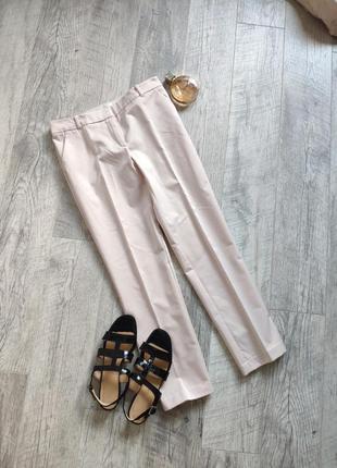 Класические брюки со стрелками укороченные