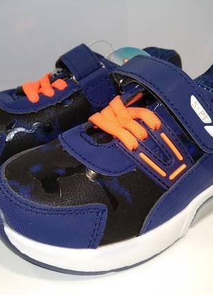 Отличные кроссовки w.niko