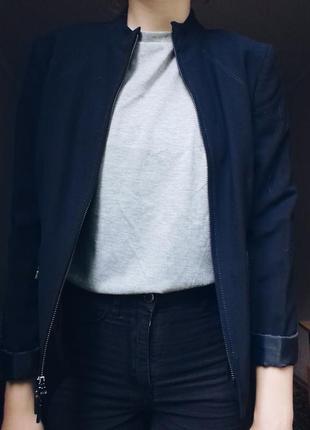 Классический пиджак на молнии