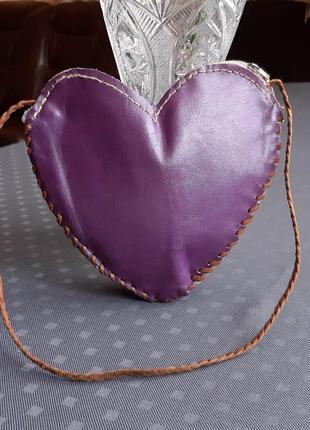 Кожаная красивая фиолетовая сумка сердечко hand made