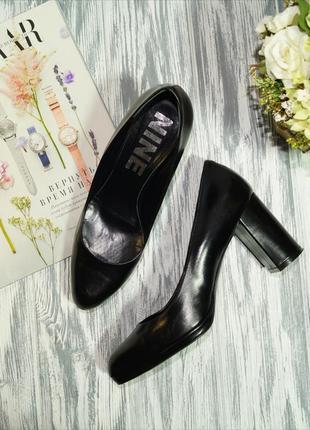 Nine. италия. кожа. фирменные красивые туфли на широком каблуке