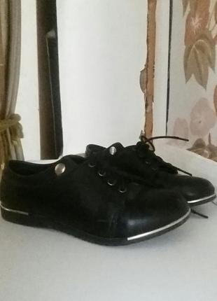 Туфли на девочку 8-10 лет