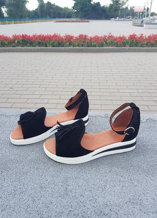 Шикарные летние сандалики чёрные натуральная замша