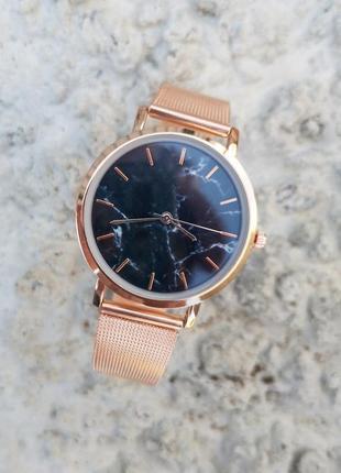 Стильные женские часы. часы женские.  часы. супер цена.