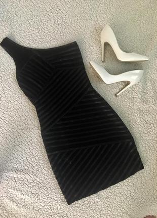 Маленькое чёрное платьице 🖤которое должно быть у каждой красавицы!