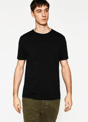 Черная рванная футболка zara man !