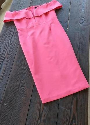Розовое коктейльное платье
