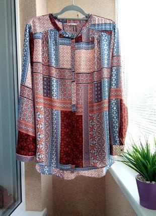 Красивая блуза с длинным рукавом