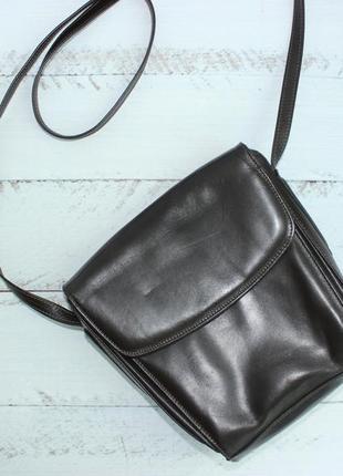 Кожаная сумка футляр, через плечо в форме трапеции