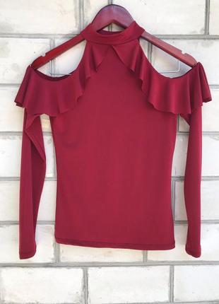 Женская блуза с чокером и воланами