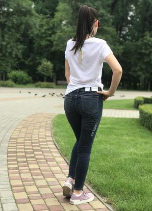 Оригинальные джинсы2 фото