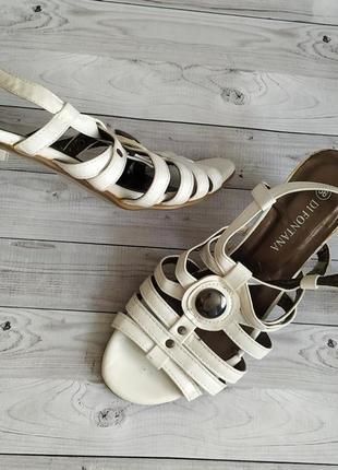 36-37р новые!di fontana, белые босоножки на каблуке