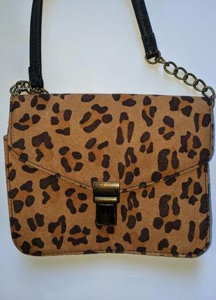 Продам маленькую леопардовую сумочку next