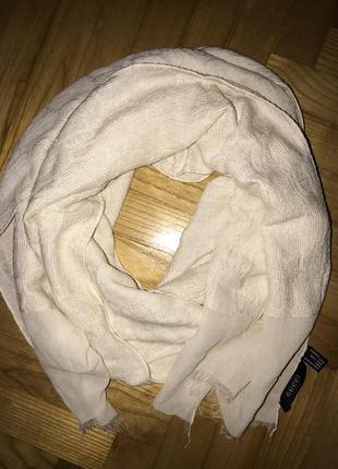 Шикарный жаккардовый шелковый шарф от gucci!