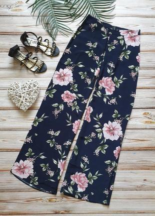 Шикарные летние широкие цветочные брюки с высокой талией10 фото