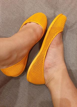 Яркие оранжевые резиновые балетки fashion1 фото