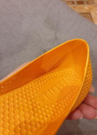 Яркие оранжевые резиновые балетки fashion4 фото
