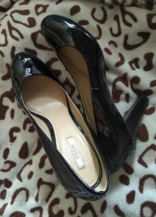 Кожаные туфли geox respira 37 р