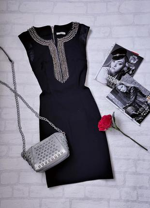 Роскошнейшее черное платье с жемчугом и стразами от sogo.