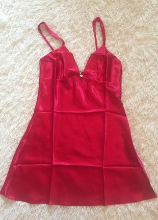 Красный атласный пеньюар ночная рубашка yamamay