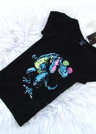 Стильная футболка amisu