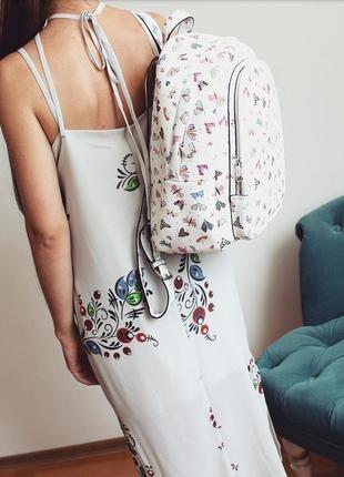 Сукня в білизняному стилі з розписом