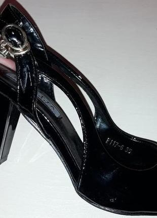 Босоножки каблук женские босоніжки