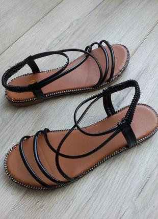 Черные босоножки сандалии