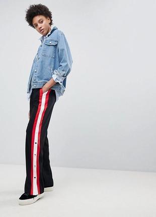 Очень крутые брюки высокой посадки stradivarius