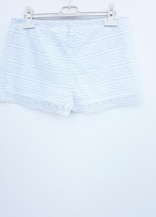 Ажурные шортики белые