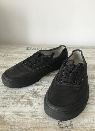 Черные кеды кроссовки на шнуровку классические vans
