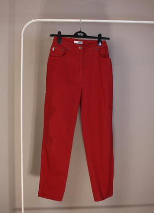 Винтажные красные mom- джинсы 40размер