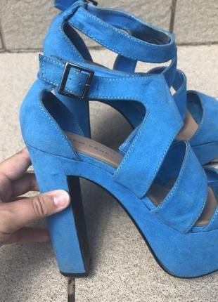 Голубые босоножки new look
